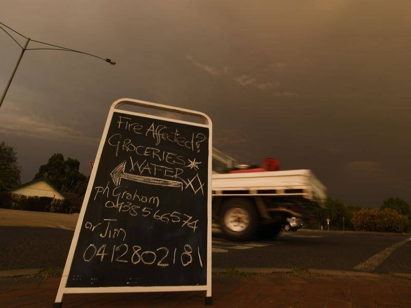 Businesses in northeast Victoria are grappling with a lack of visitors amid bushfire conditions.