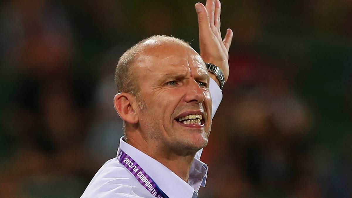 Kenny Lowe has slammed the A-League for scheduling this weekend's Border match on such a hot day. Picture: GETTY IMAGES
